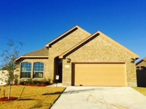 Gorgeous new home in Lake Worth TX hires garage door contractor at Action Garage Door for new installation in this upcoming neighborhood