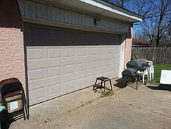 This older residential home in Dallas Texas was in need of a new garage door installed and repaired and Action Garage Doors did the job