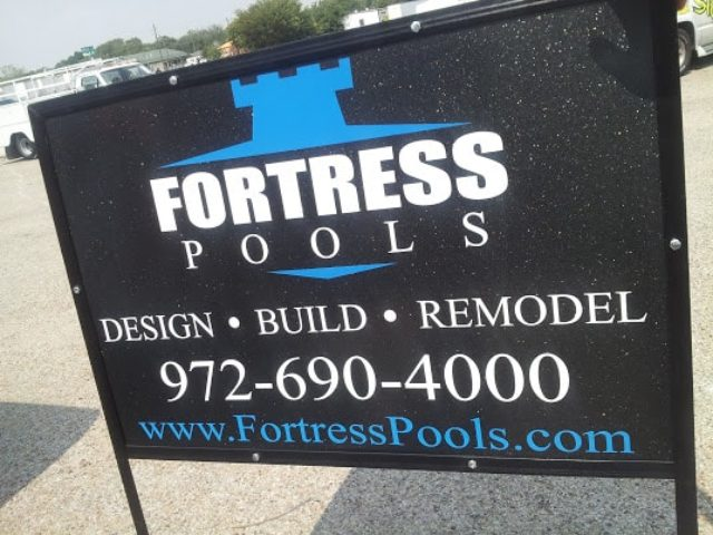 Outdoor sign for pool company